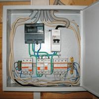 Монтаж, установка, замена, ремонт электрического щитка в Минусинске. Ремонт электрощита Минусинск. Индивидуальный квартирный электрощит в Минусинске